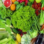 Вкусный суп из сельдерея для похудения, зелень