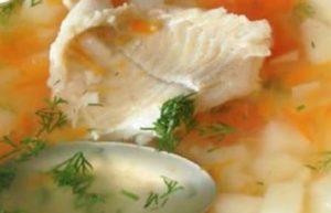 Готовим вкусный рыбный суп - рецепт, картинка