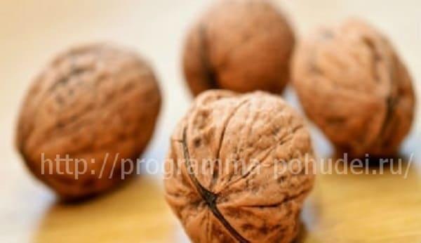 высококалорийные продукты, орехи